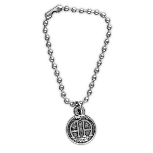 Zawieszka z łańcuszkiem - Symbol AA
